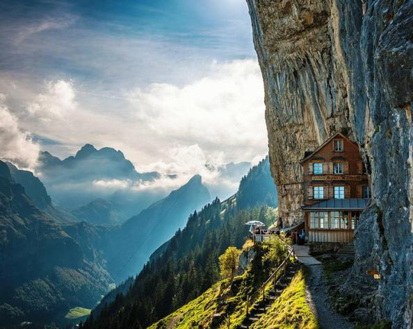 travel_backpacking_round_the_world_amazing_hotels_ascher-cliff_switzerland